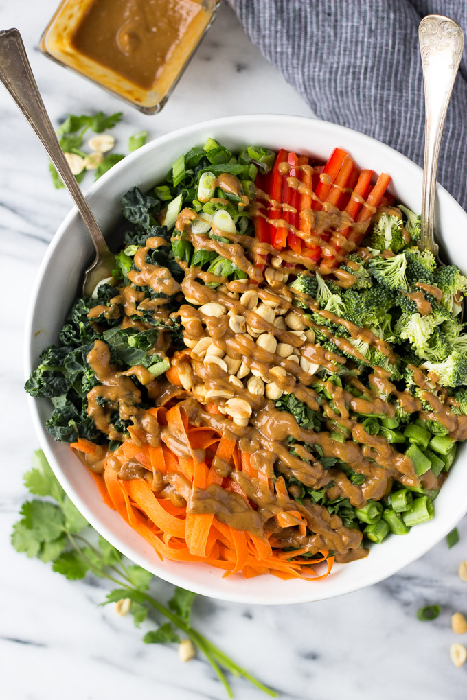 Thai Chopped Salad with Peanut Sauce Dressing - an easy, healthy, detox lunch or dinner full of flavor and crunch! | Fork in the Kitchen