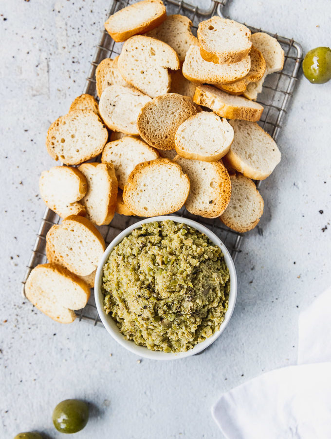 olive tapenade with baguette crisps